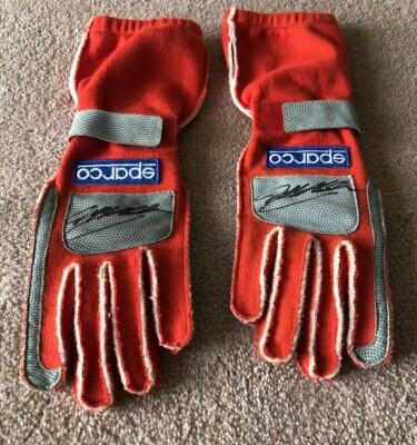 NASCAR Race worn/used Jeff Gordon Gloves 2004 AUTOGRAPHED