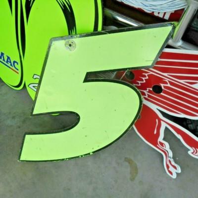 NASCAR RACE USED PIT BOARD KYLE BUSCH FROM HENDRICK MOTORSPORTS DAYS